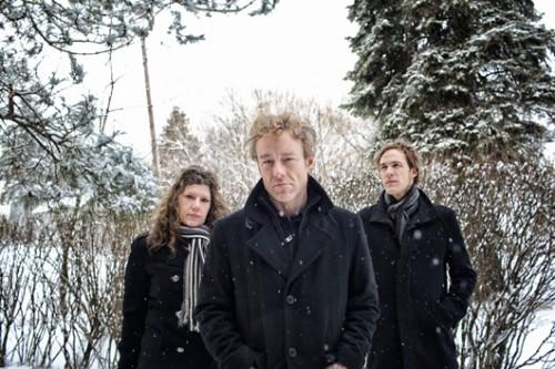 """Low. מימין: סטיב גארינגטון, אלן ספרהוק ומימי פרקר. צילום: יח""""צ"""